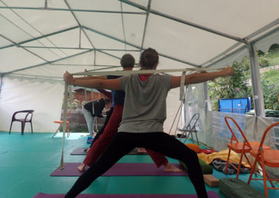 posture de yoga la clusaz